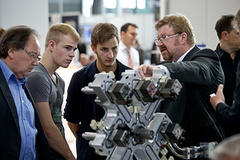 - Moulding Expo 2017: There is once again so much to discover by students and apprentices.