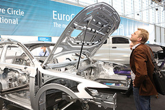 - At Automotive Engineering Expo, visitors can marvel at modern car bodies.